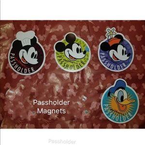 Disney passholer magnet set Mickey & friends
